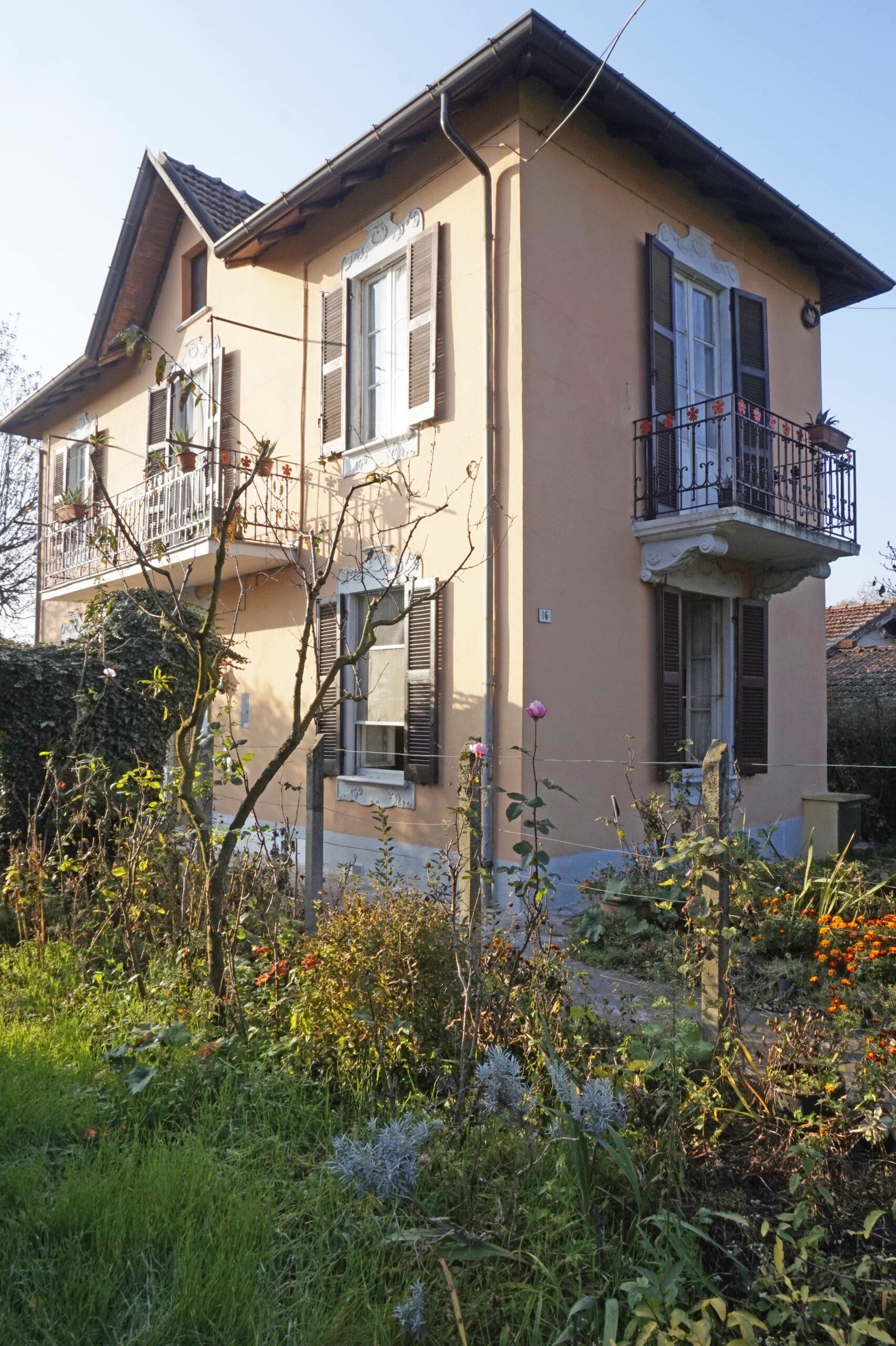 Elegante villetta con ampio giardino